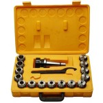 В набор входит: патрон цанговый, набор цанг и ключ. Упакован в деревянный или пластиковый кейс.